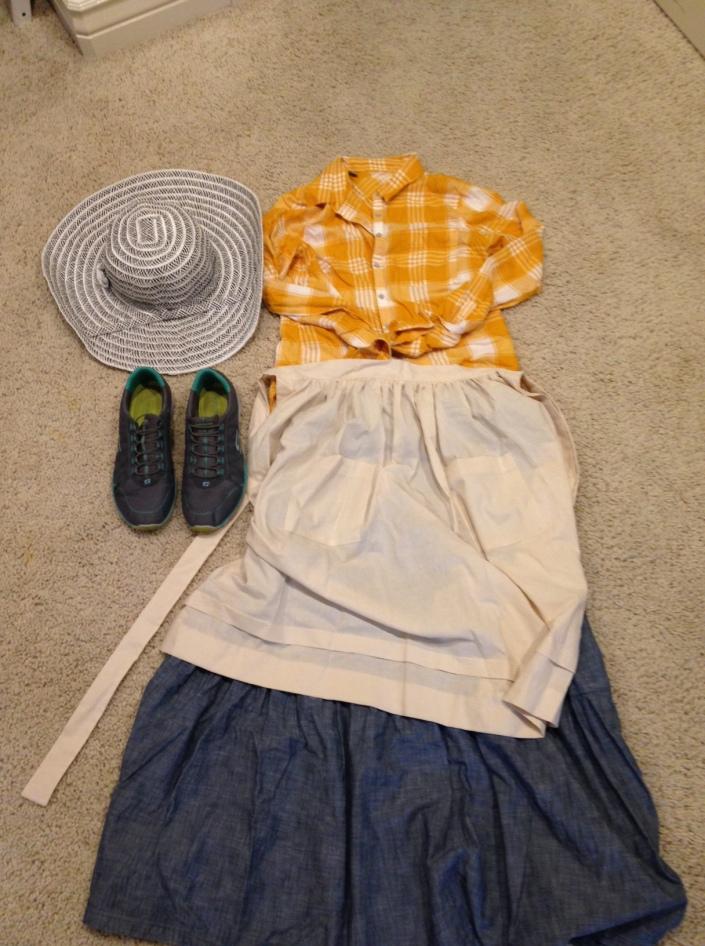Example of women's clothing for Trek